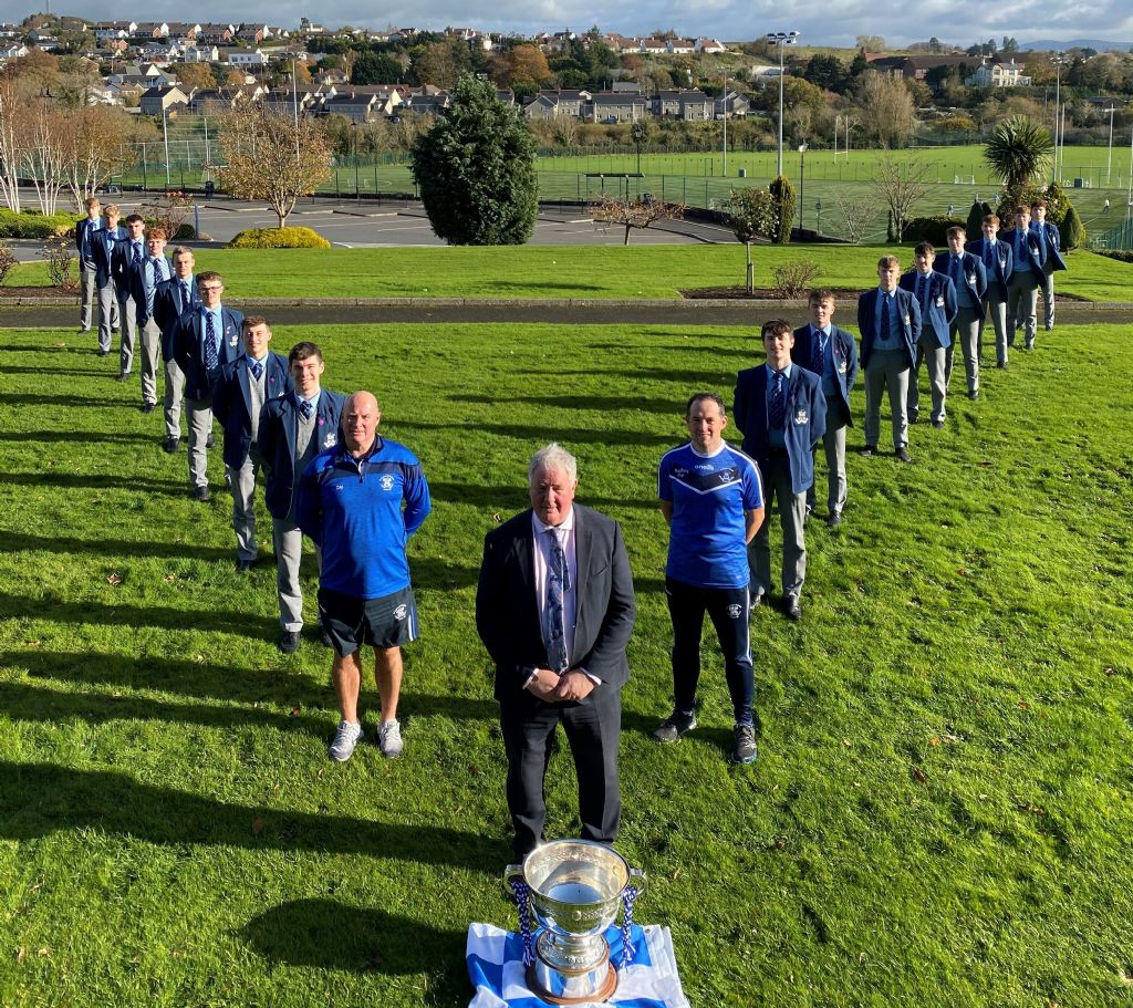 V for Violet Hill - College recreates Iconic image
